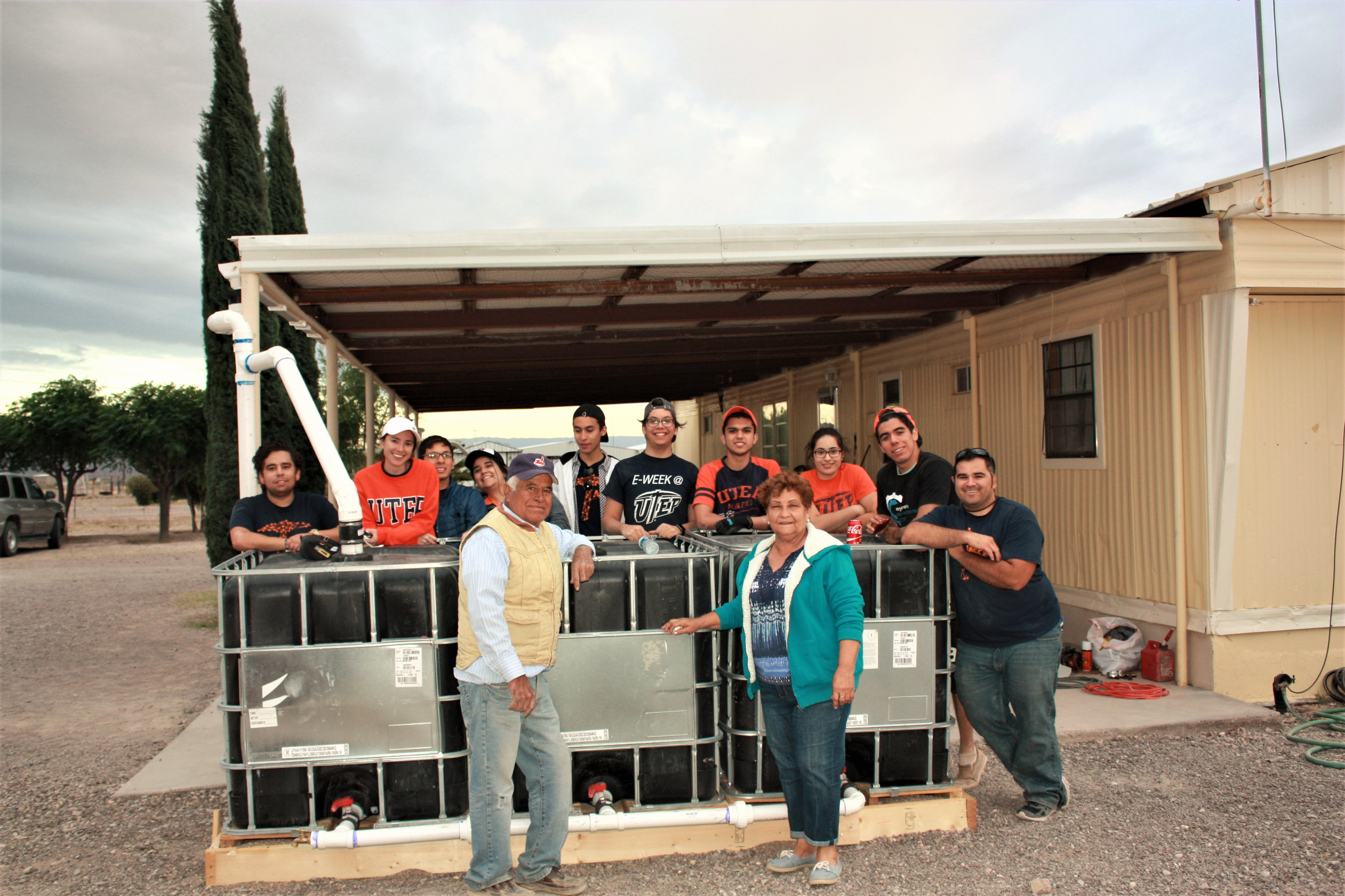 UTEP engineering students and residents of the home.