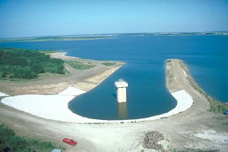 Aerial view to the service spillway of the Joe Pool Lake (Photo provided by the owner)