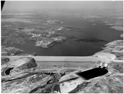 Lake Meredith (Sanford Dam looking upstream) in 1968 (Photo source: Canadian River Municipal Water Authority's website)